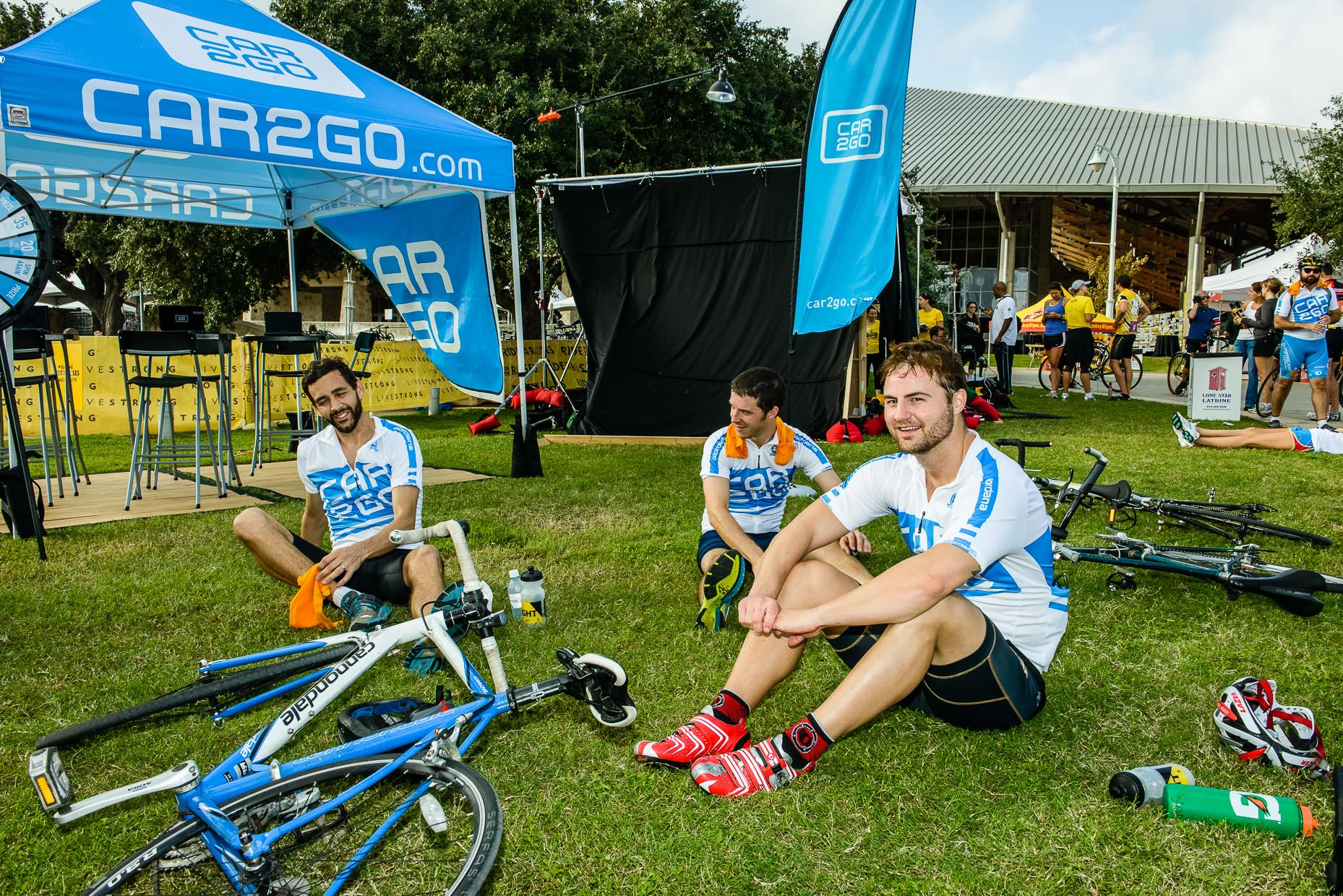 Livestrong-Challenge-bicyclists-Austin-Commercial-Photographer-car2go.jpg