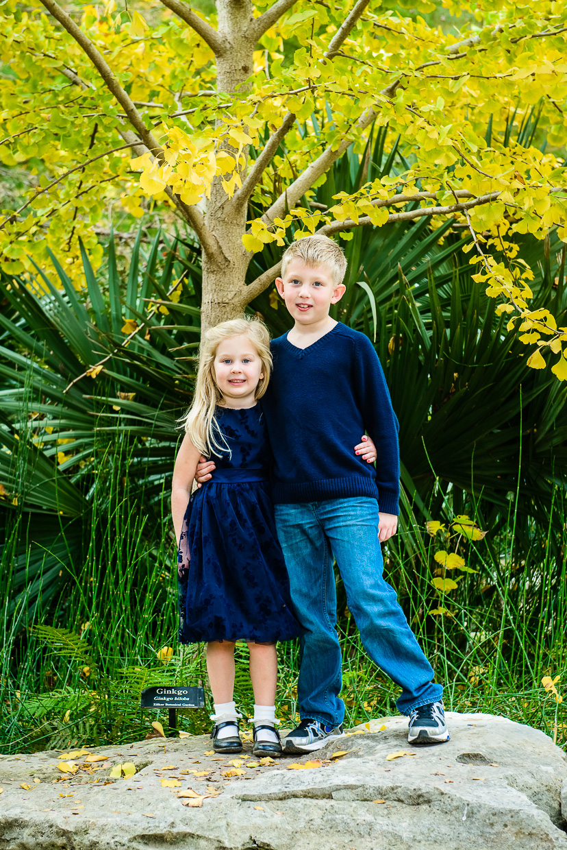 Zilker-Botanical-Gardens-Family-Portrait-Austin-Photographer-Fall.jpg
